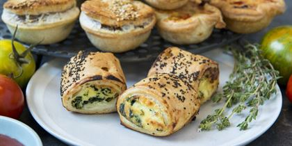 Spinach and ricotta roll v